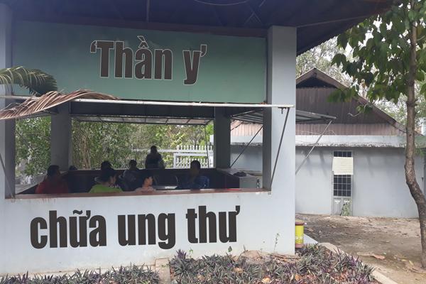THẦN Y CHỮA UNG THƯ