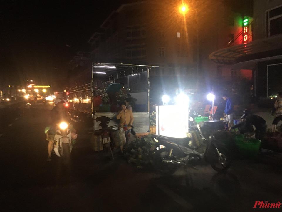 Chợ Bình Điền hoạt động về đêm