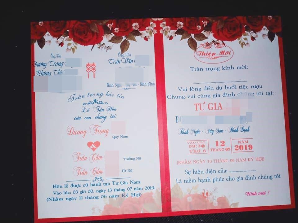 Tấm thiệp cưới khiến nhiều người hoang mang chỉ là sản phẩm của photoshop. Ảnh từ Facebook