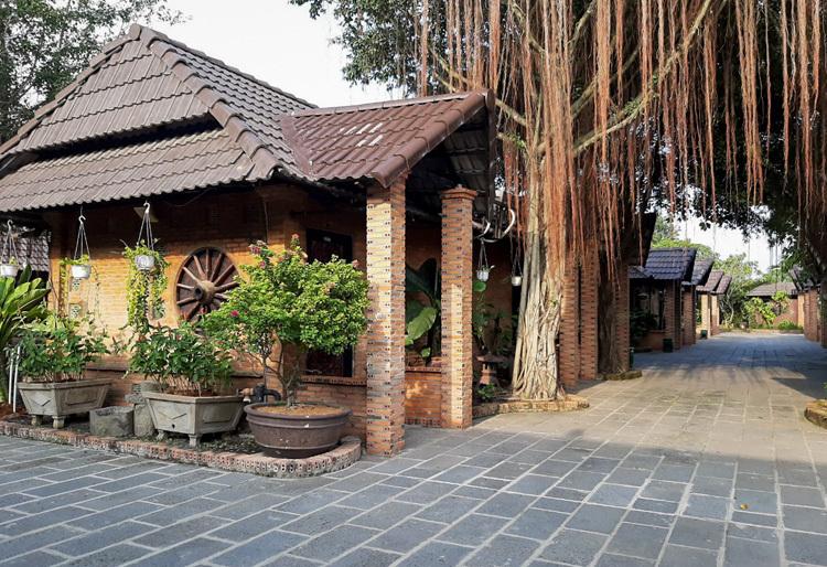 Nhiều hạng mục xây trái phép tại Resort Tràm Chim