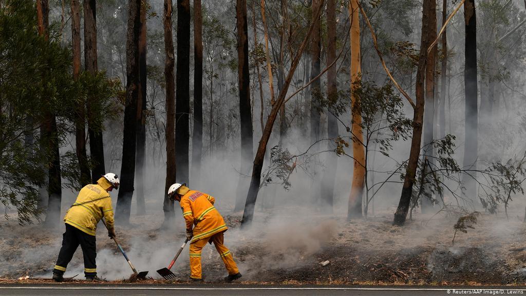 Dù vậy, lượng mưa quá nhỏ có thể gây trở ngại thay vì giúp dập tắt các đám cháy - Ảnh: Reuters.