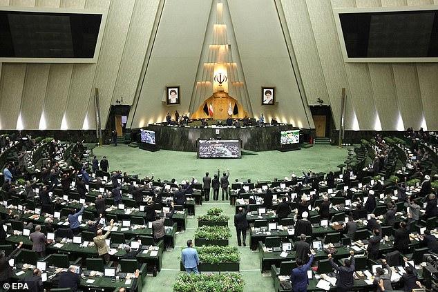 Quốc hội Iran thông qua đạo luật xem mọi lực lượng Mỹ và các nhóm liên quan đén vụ tấn công sát hại tướng Soleimani là khủng bố.