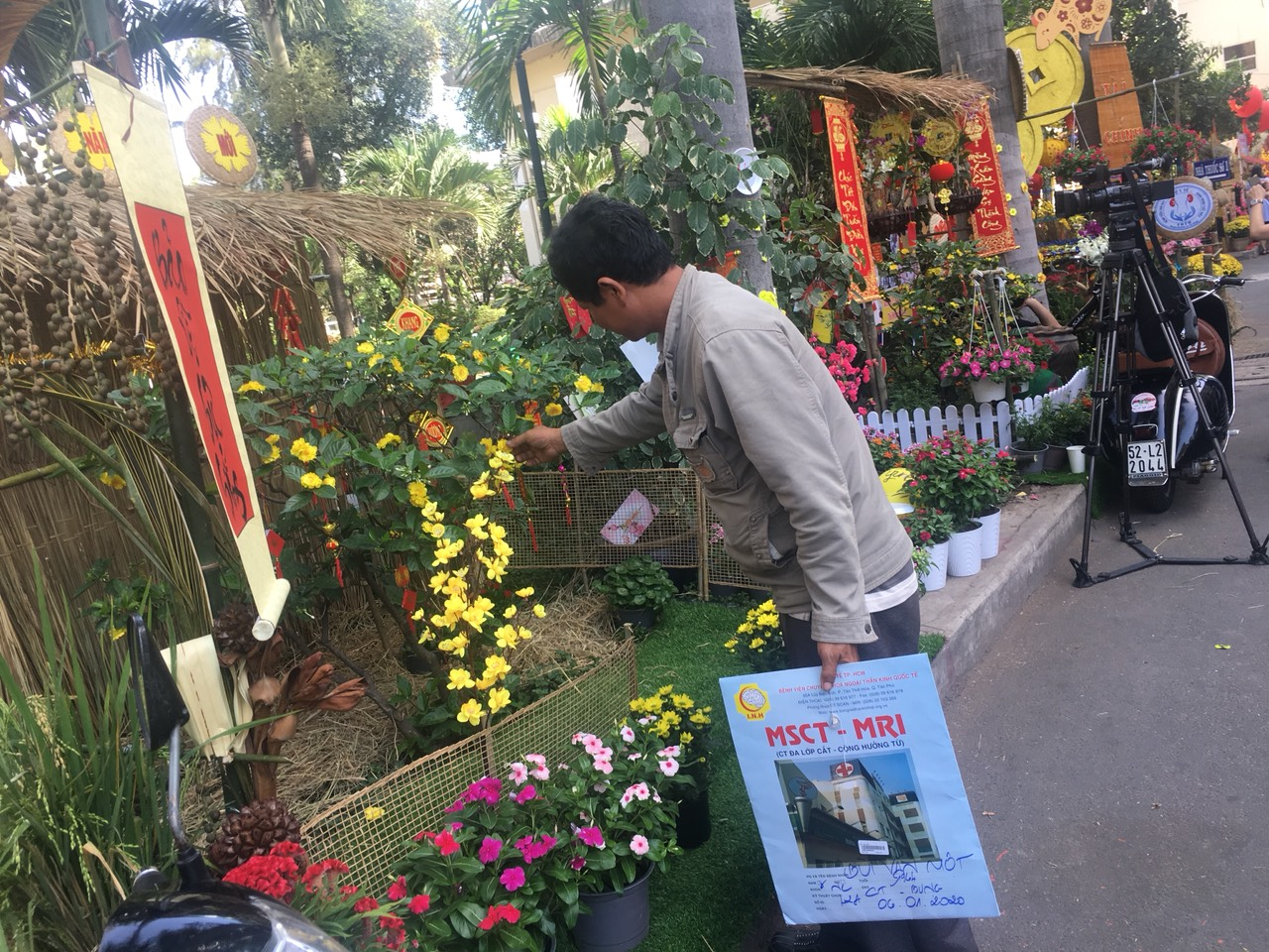 Ông Bùi Văn Một bày tỏ mong ước các bệnh viện đều có đường hoa để bệnh nhân thấy ấm áp