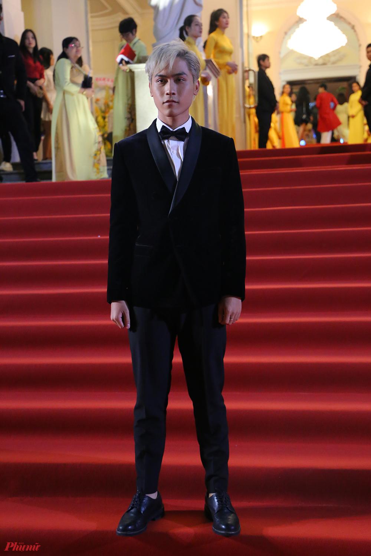 Diễn viên Võ Điền Gia Huy