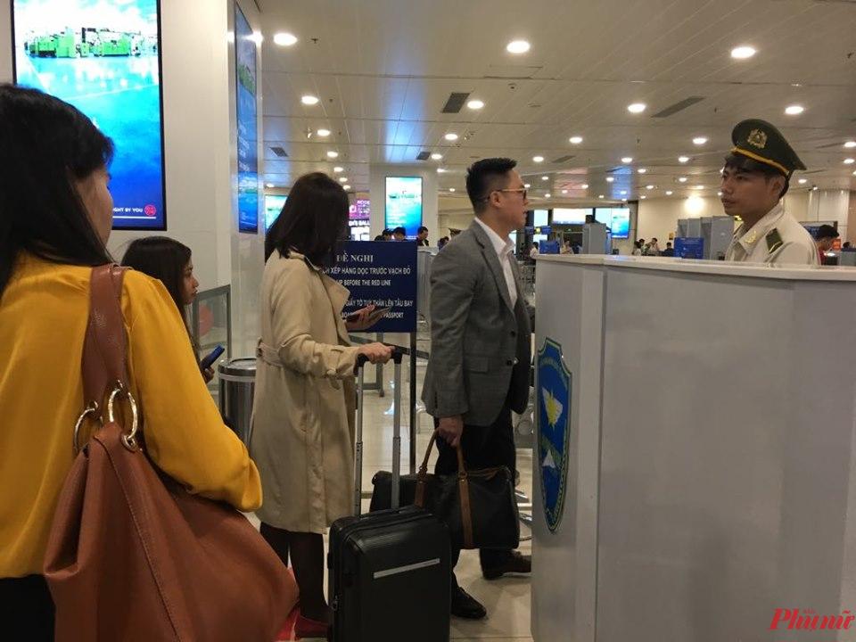 VNA khuyến cáo hành khách đến, đi từ châu Âu trong thời gian này nên thường xuyên theo dõi, cập nhập thông tin từ hãng để chủ động hành trình bay.