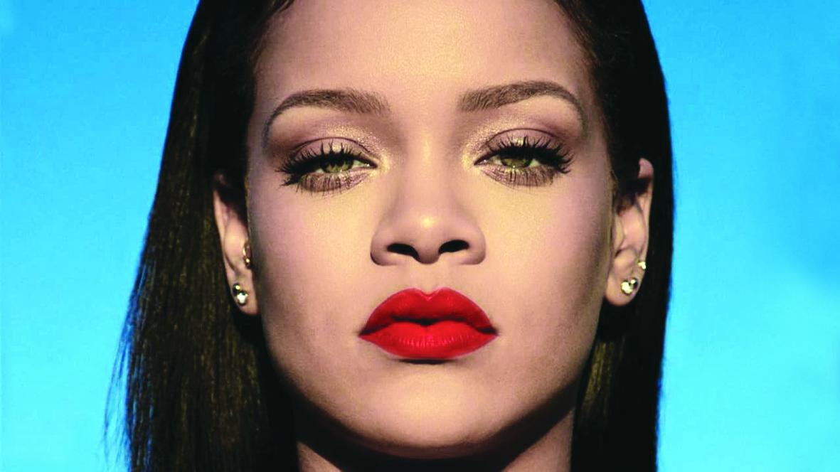 Rihanna là một trong những ngôi sao chuộng làm đẹp theo phong cách G-beauty