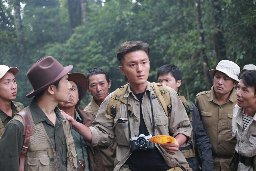 Nam thần TVB Dương Mịch trong các cảnh quay của Bí mật đảo Linh Xà.