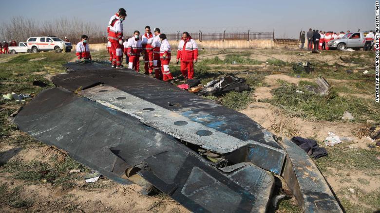 Dữ liệu ban đầu cho thấy dường như máy bay đã cố quay đầu trở lại trước khi rơi xuống.