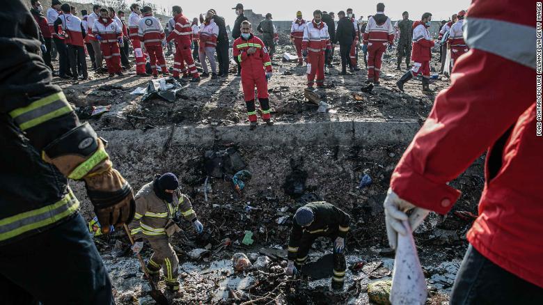 Phía Iran cho biết các hộp đen của máy bay đã bị hư hại và họ có thể cần hỗ trợ xử lý.