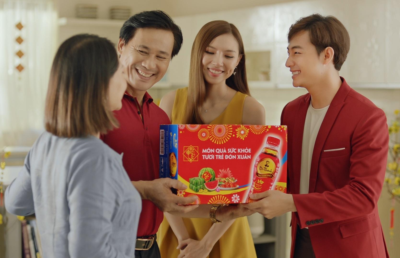 Trà thanh nhiệt Dr Thanh - món quà sức khỏe ý nghĩa trao nhau trong dịp xuân về