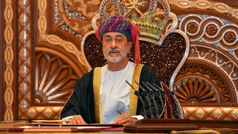 Haitham bin Tariq Al Said  được lựa chọn làm người kế vị ngai vàng dựa theo một lá thư niêm phong của hoàng đế Qaboos.
