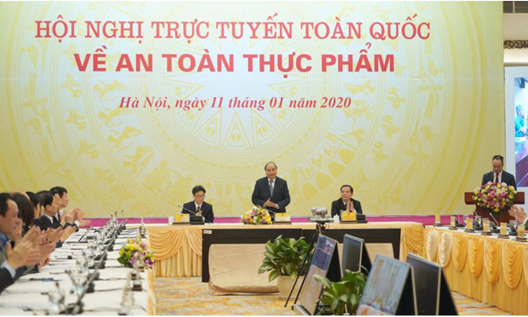 Thủ tướng Nguyễn Xuân Phúc chủ trì Hội nghị về an toàn thực phẩm sáng 11/1