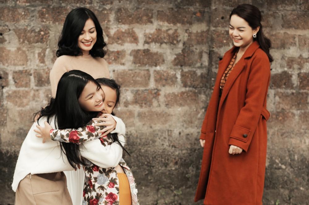 Phạm Quỳnh Anh đưa con gái