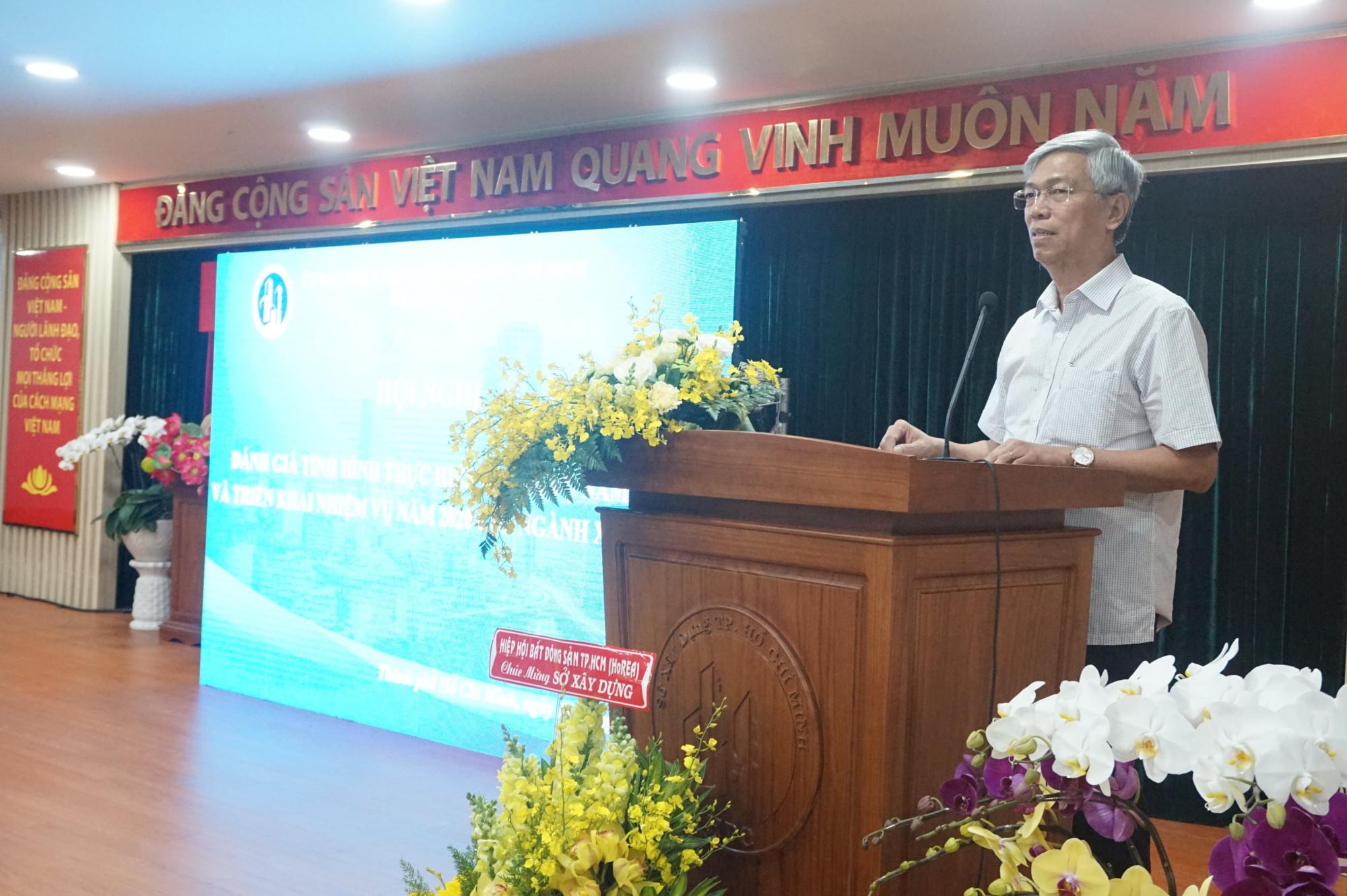 Phó Chủ tịch UBND TPHCM Võ Văn Hoan tại hội nghị tổng kết của Sở Xây dựng TPHCM sáng 14/1