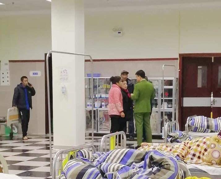 Các nạn nhân được đưa đi cấp cứu