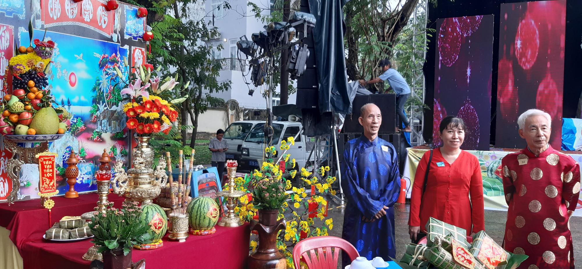 Bàn thờ giành giải nhất hội thi của đơn vị phường 14
