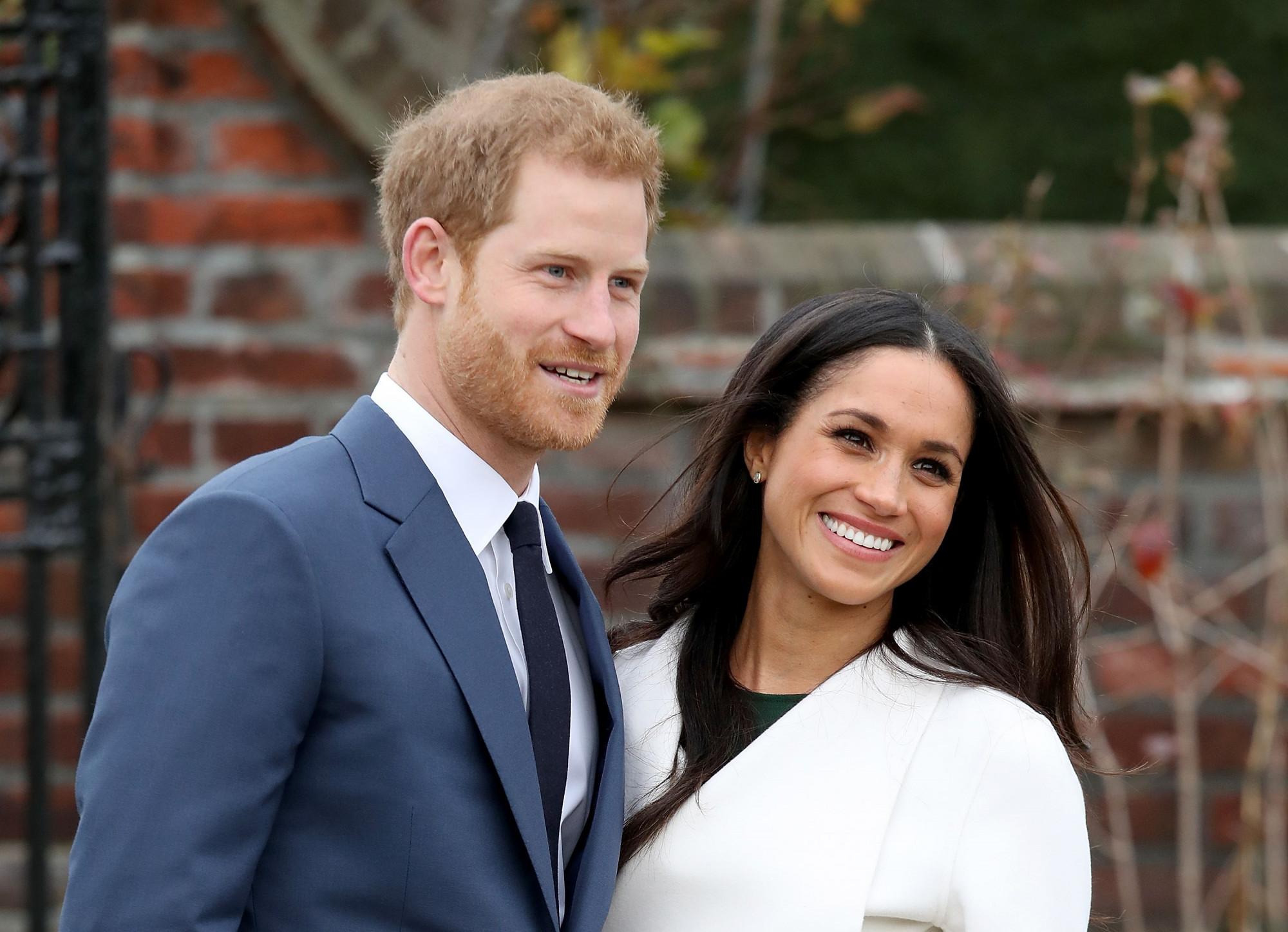 Vợ chồng Hoàng tử Harry được cho phép rời hoàng gia để tiến tới mục tiêu xây dựng gia đình riêng, độc lập tài chính.