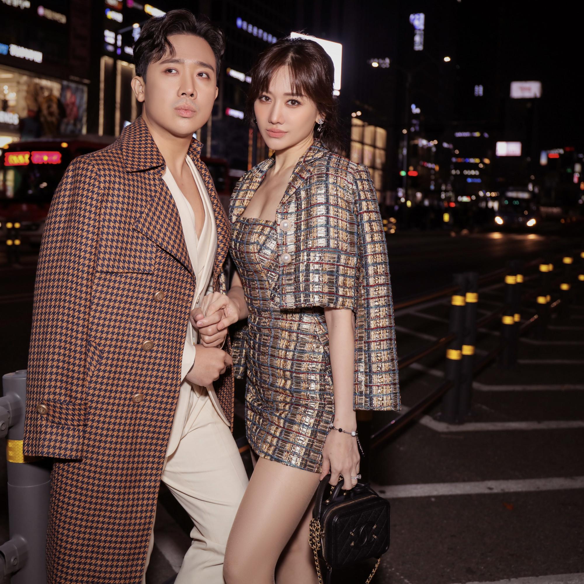 Sau 3 năm chính thức nên duyên vợ chồng, Trấn Thành và Hari Won mới đây đã tung bộ ảnh lãng mạn nhân chuyến du lịch nước ngoài đầu năm. Nhan sắc đỉnh cao cùng thần thái sang chảnh của cặp đôi nhận được nhiều lời khen tặng.
