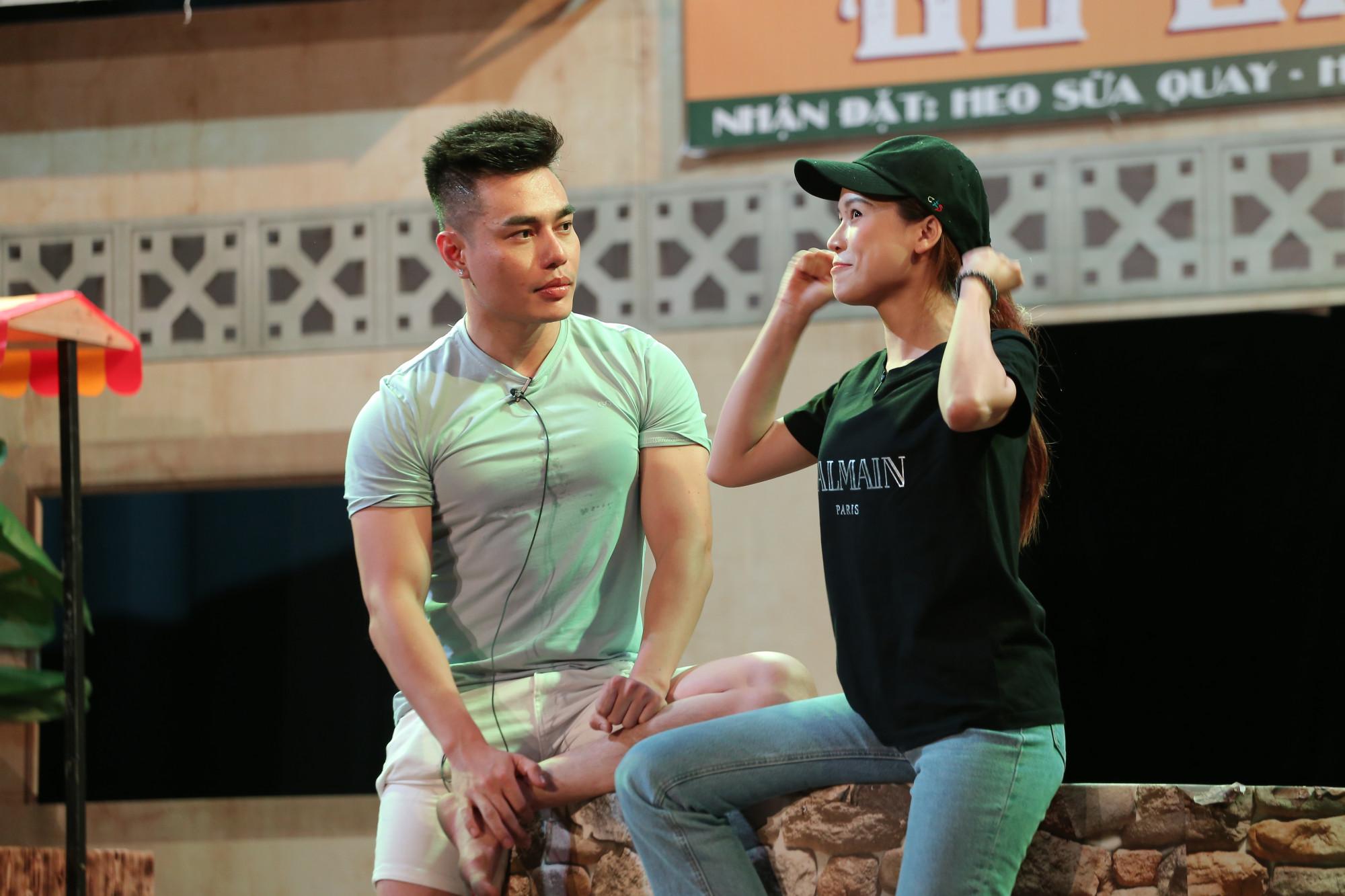 Các nghệ sĩ đang ráo riết tập luyện để công diễn vở kịch vào đúng ngày Mùng 1 Tết Nguyên đán.