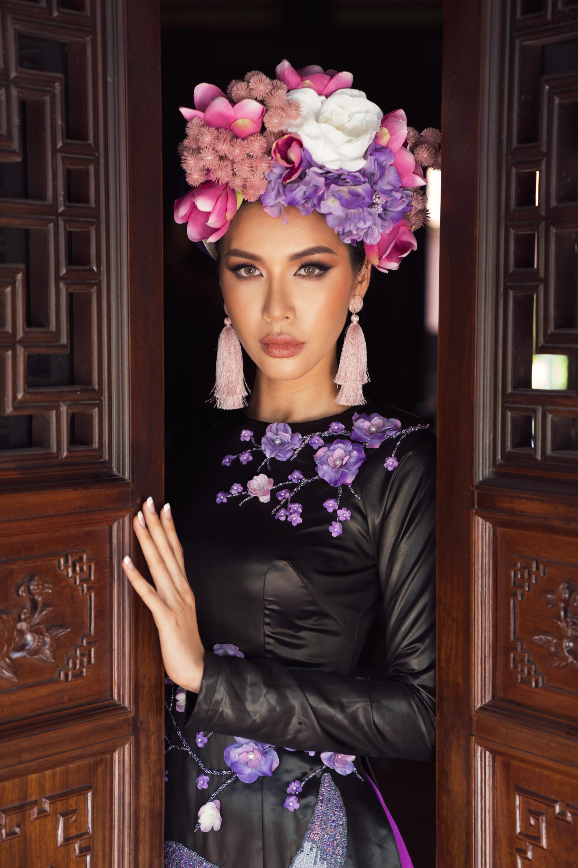 Bên cạnh Phương Khánh, siêu mẫu Minh Tú