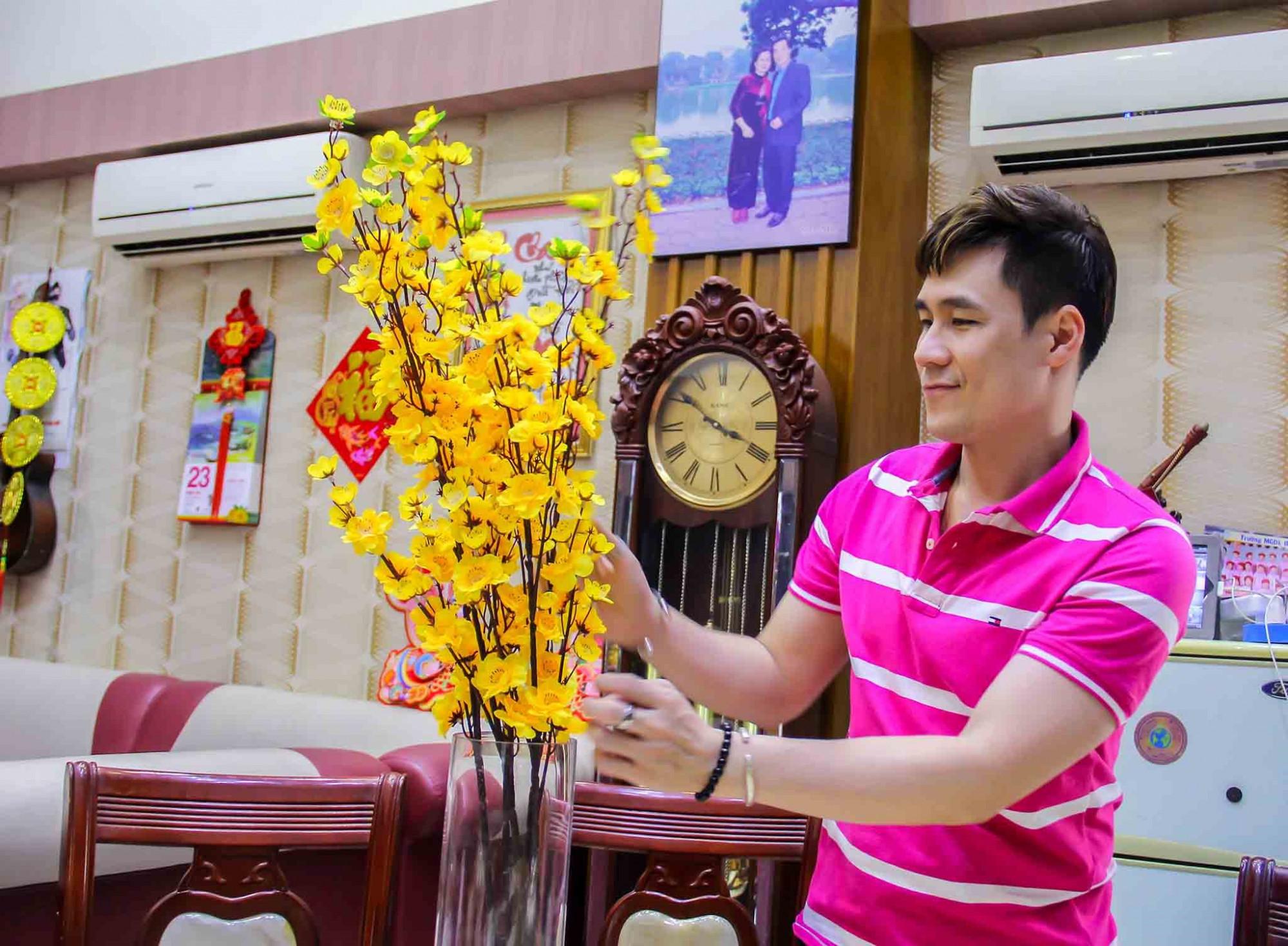 Khánh Phương luôn tự tay chuẩn bị tết cho cả gia đình