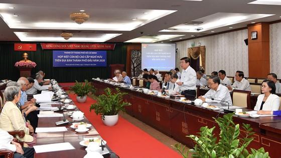 Chủ tịch UBND TPHCM Nguyễn Thành Phong phát biểu tại buổi gặp mặt