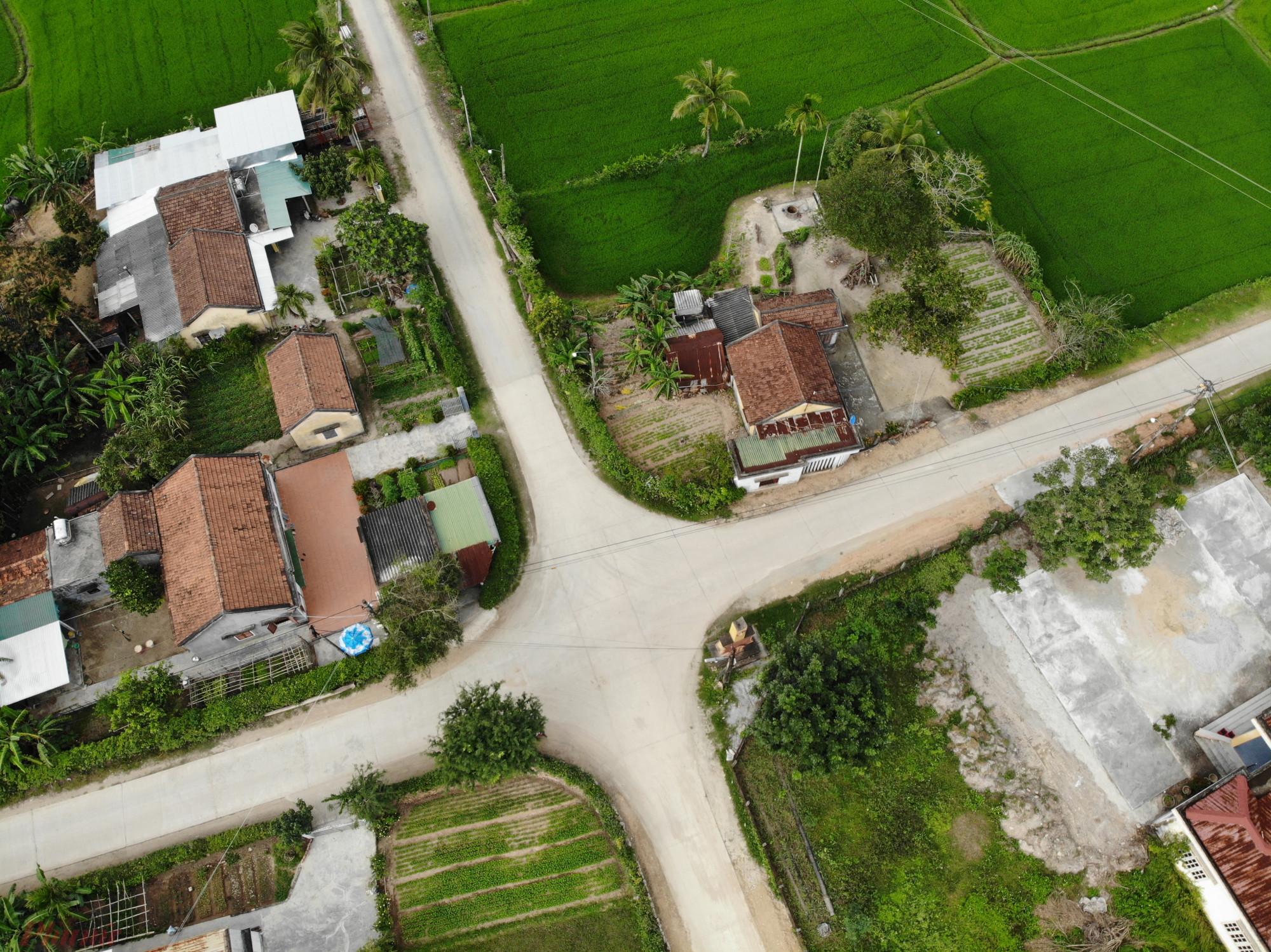 Tết đã cận kề nhưng nhiều con đường ở xã Phổ Cường vẫn thưa người qua lại vì người làm ăn xa quê chưa về.