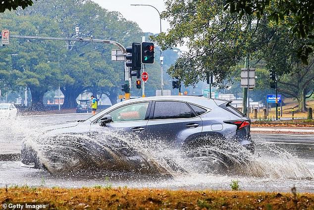 Sydney cũng hứng chịu những cơn mưa lớn vào cuối tuần.
