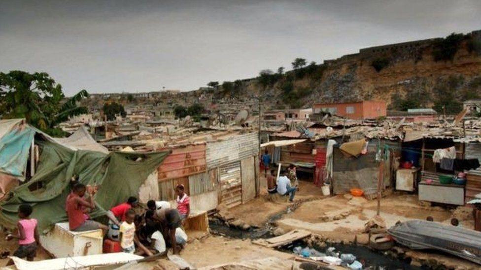 30% dân số Angola sống trong nghèo đói với thu nhập dưới 1,90 USD/ ngày - Ảnh: BBC
