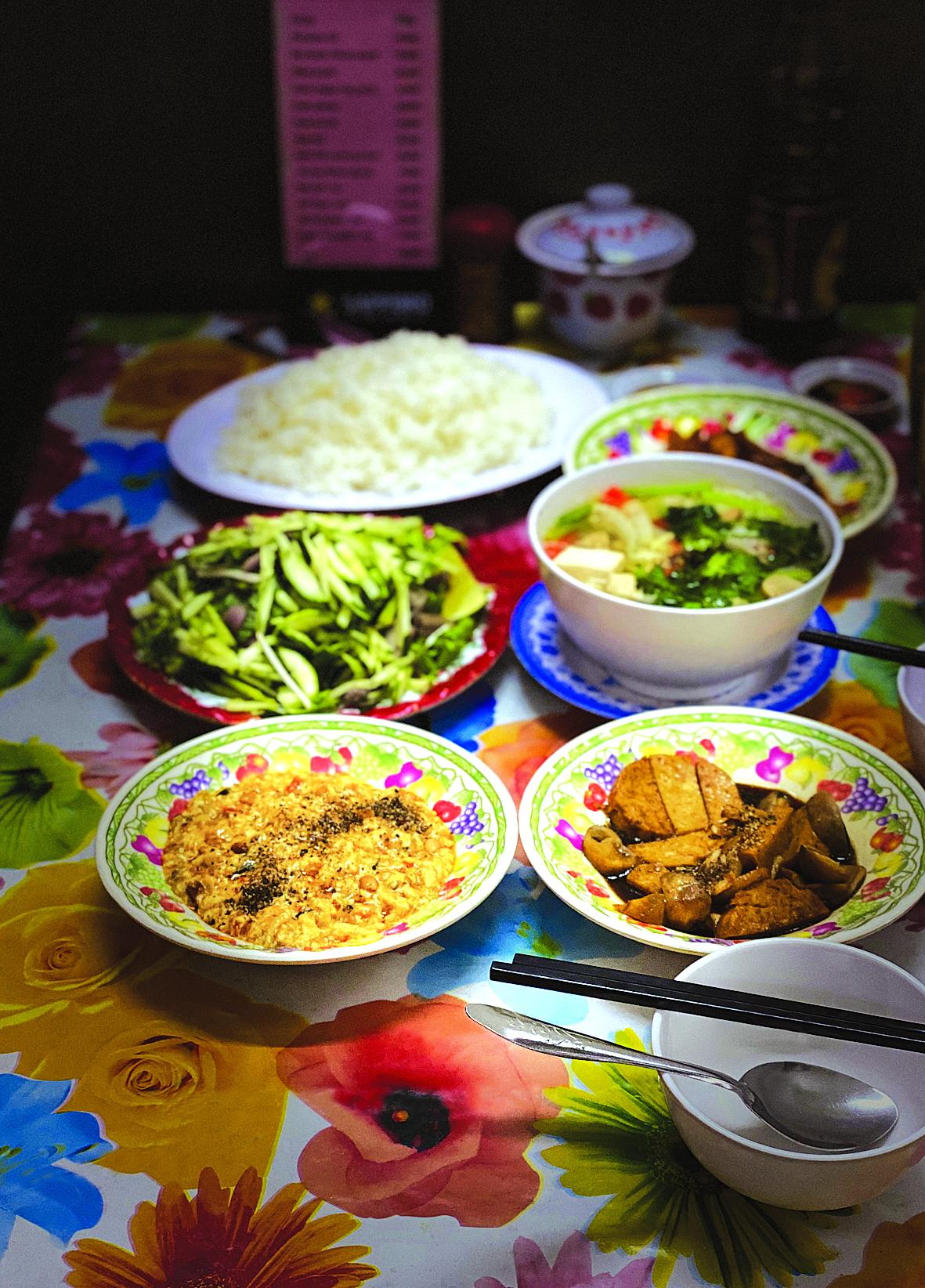 Tiệm chay Tín Nghĩa hơn trăm năm đi qua bao biến thiên dâu bể Sài Gòn