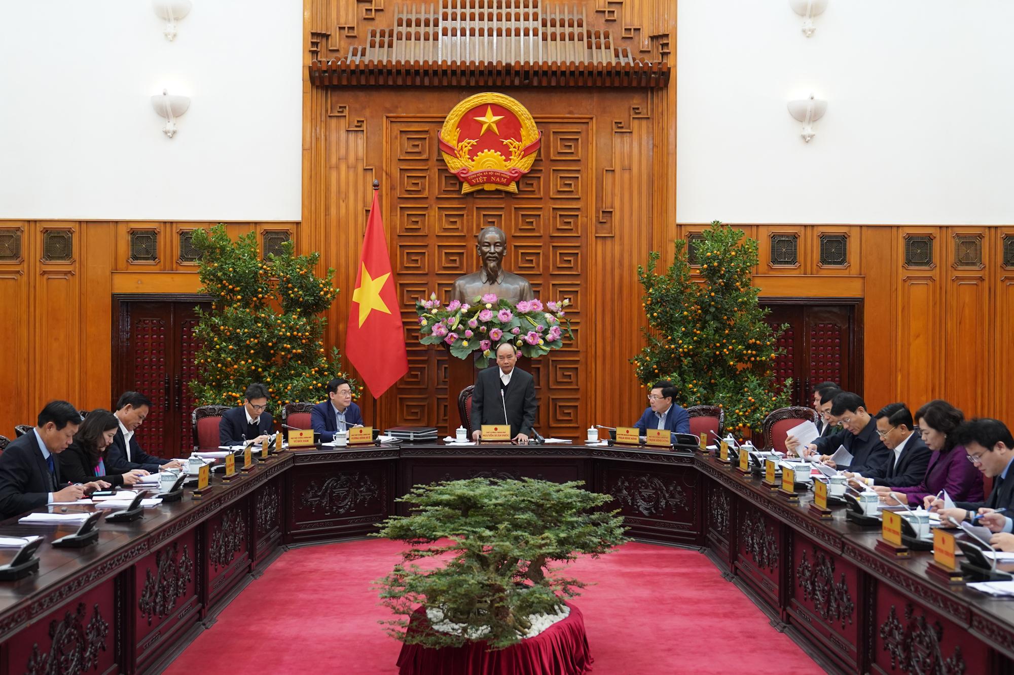 Thủ tướng nhấn mạnh các đơn vị liên quan cần tạo không khí vui tươi để người dân đón xuân. Ảnh: VGP/Quang Hiếu
