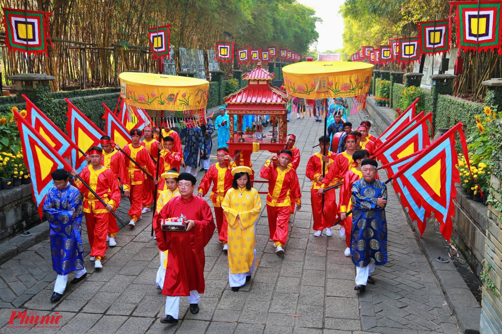 Lễ được thực hiện tại khu tưởng niệm các Vua Hùng và Đền thờ Đức Lễ Thành hầu Nguyễn Hữu Cảnh trong khuôn viên Công viên Lịch sử - Văn hóa Dân tộc (phường Long Bình, quận 9, TP.HCM).