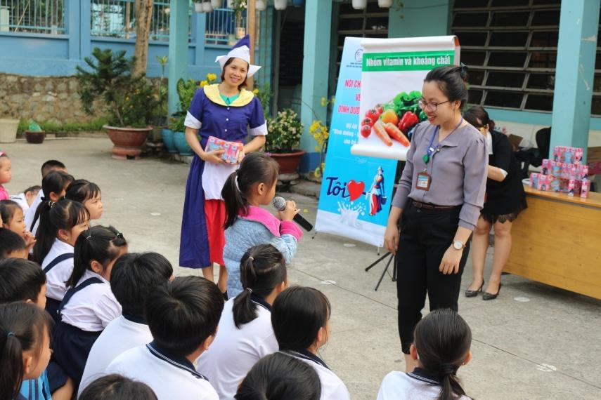 Tập đoàn FrieslandCampina luôn nỗ lực nâng cao chất lượng cuộc sống của người dân không chỉ bằng những sản phẩm dinh dưỡng mà còn đóng góp tích cực vào các hoạt động cộng đồng, đặc biệt là hoạt động dành cho phụ nữ và trẻ em. Nguồn ảnh do FrieslandCampina cung cấp