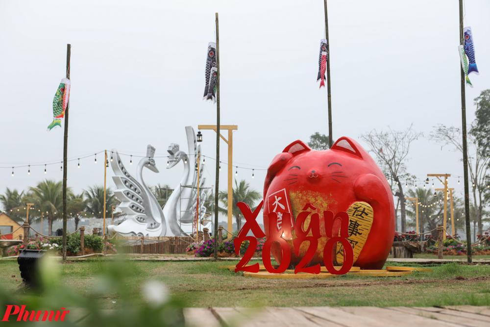 Nằm cách trung tâm Hà Nội khoảng 15km, Ecopark là điểm