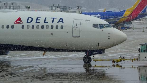 Chuyến bay của hãng hàng không Delta hôm 16/1 bị hoãn 5 giờ vì sự cố hiếm gặp.