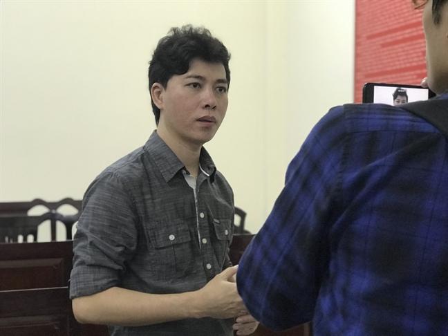 Nhạc sĩ Trường Nhân trong phiên xử sơ thẩm tại TAND Q.10 vào sáng 27/12/2019.