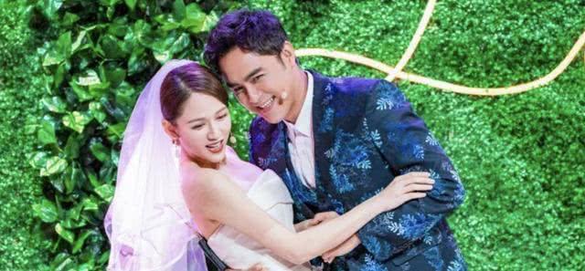 Tại sân khấu, cả hai đã tái hiện lại một số phân đoạn trong phim Hoàng tử ếch, một bộ phim thần tượng từng làm mưa làm gió trong làng giải trí châu Á vào năm 2005.