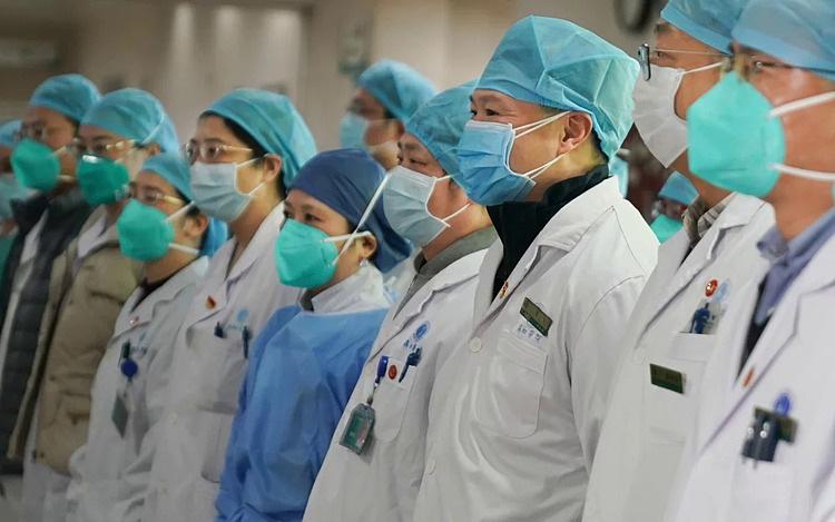 Trung Quốc tăng cường lực lượng lớn các bác sĩ tới Vũ Hán để chống dịch virus corona