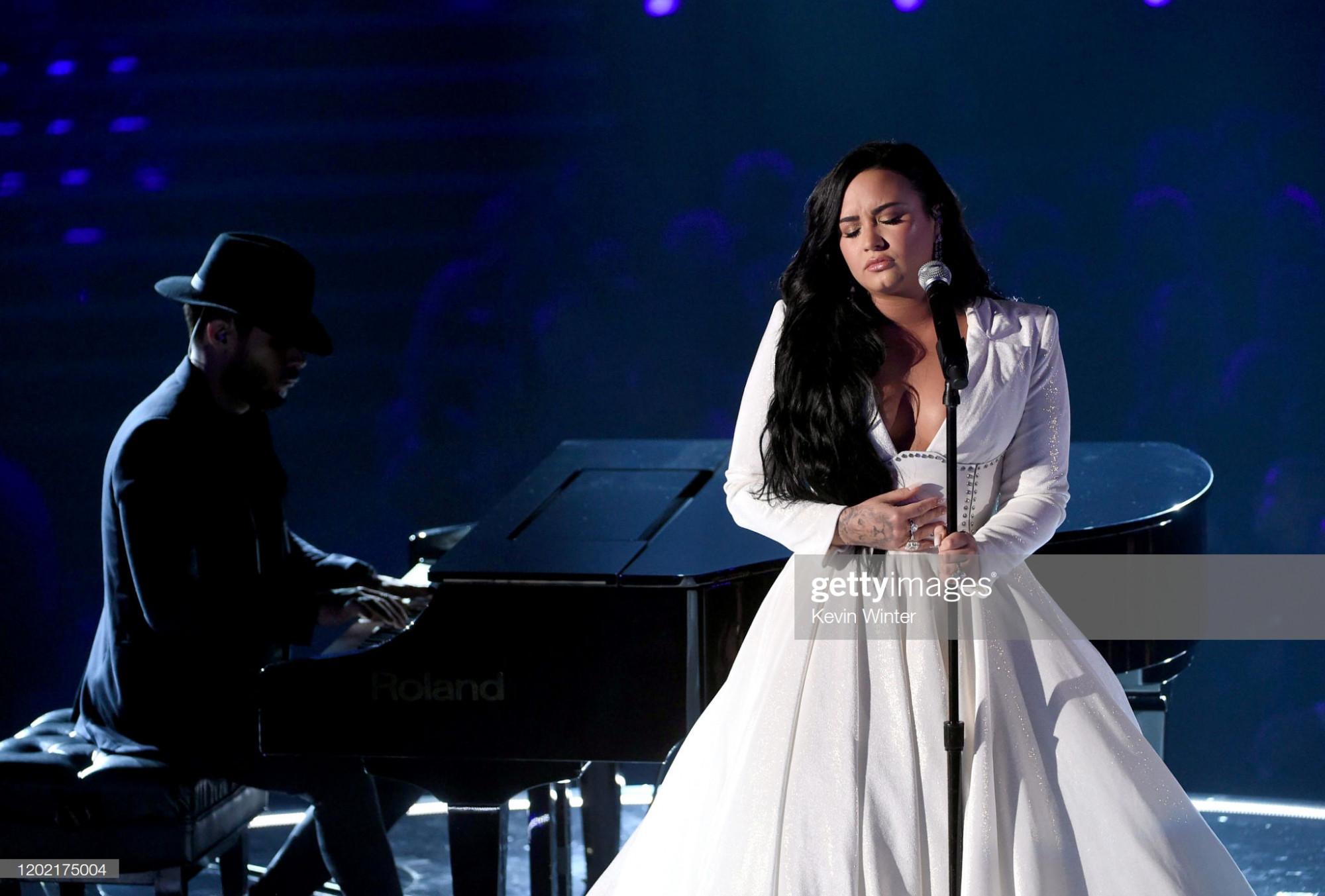 Demi Lovato trên sân khấu Grammy