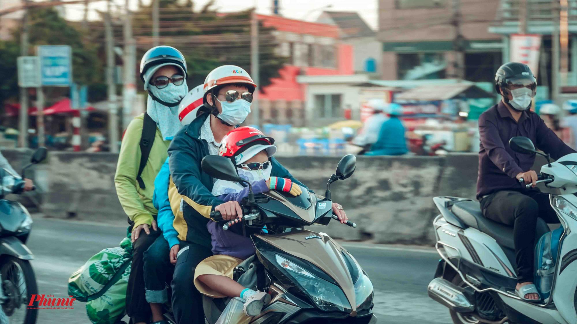 Đại gia đình cùng nhau về Sài Gòn sau kỳ nghỉ