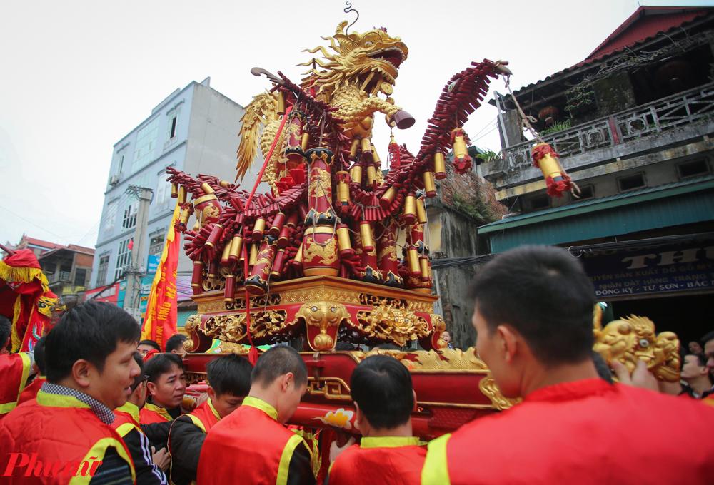 hội rước pháo Đồng Kỵ năm nay được tổ chức gồm hai phần chính: Lễ rước pháo và rước ông đám.