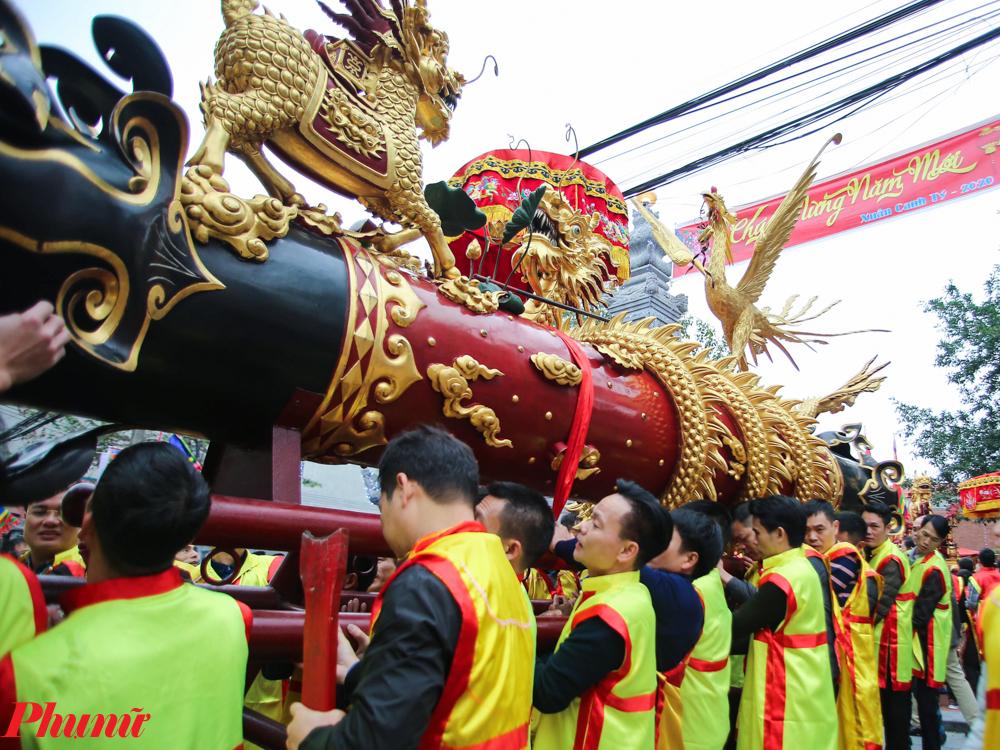 Ngày 28/1 (tức mùng 4 Tết Canh Tý), tại phường Đồng Kỵ, thị xã Từ Sơn (Bắc Ninh) đã tưng bừng diễn ra Lễ hội rước pháo Đồng Kỵ, để cầu mong một năm làm ăn phát tài, gặp nhiều may mắn. Lễ hội rước pháo thu hút hàng nghìn người dân địa phương và du khách thập phương tham dự.