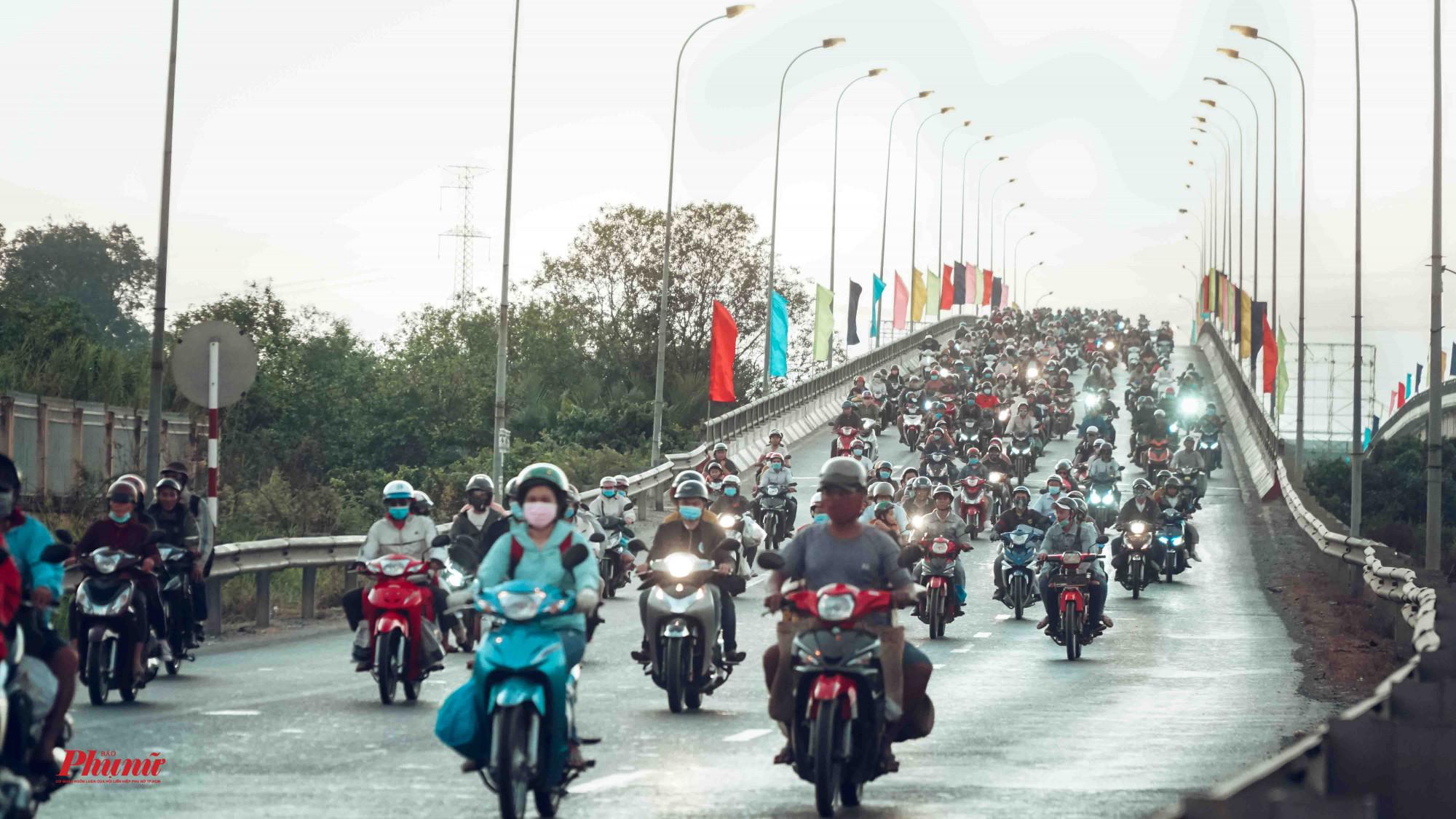 Cầu Bến Lức ghi nhận chiều mùng 4 tết (20/01/2020)