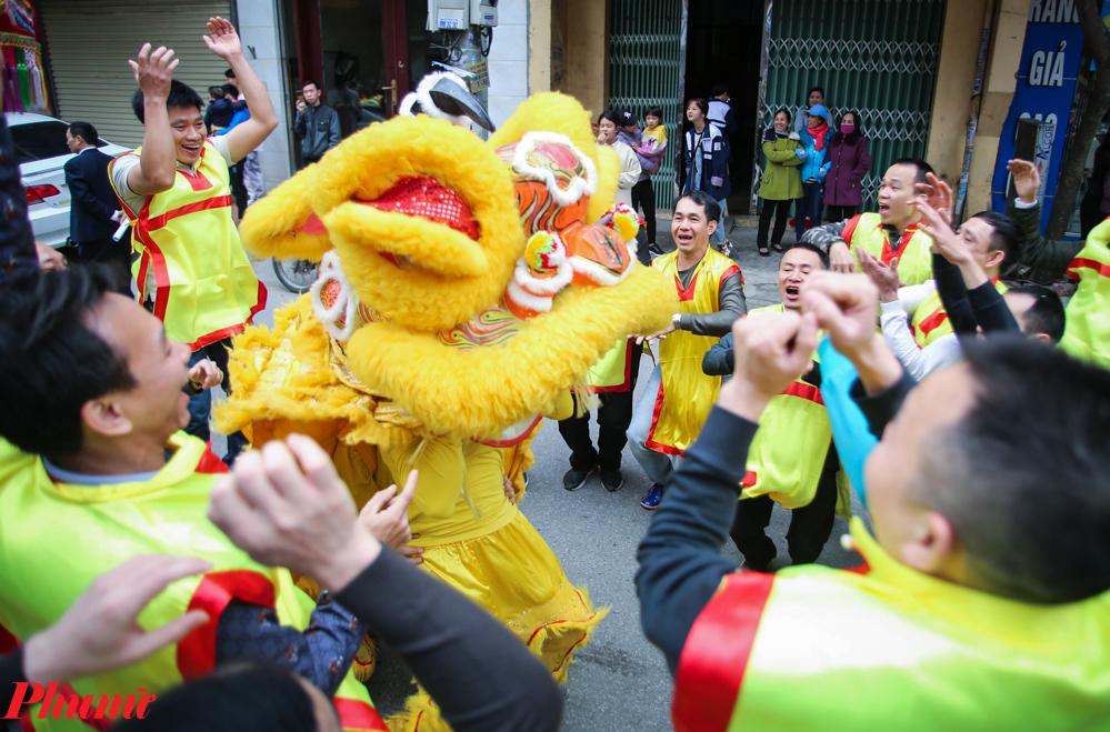 Hội rước pháo Đồng Kỵ là một trong 15 di sản văn hóa phi vật thể Quốc gia đã được Bộ Văn hóa, Thể thao và Du lịch công nhận năm 2016. Dự kiến, lễ hội rước pháo Đồng Kỵ diễn ra đến hết ngày 30/1 (tức mùng 6/1 âm lịch).