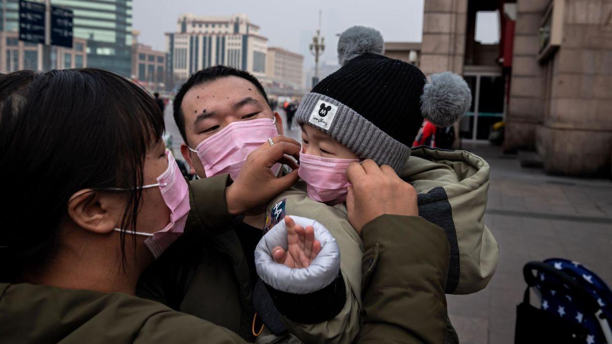 Dịch bệnh khiến thành phố Vũ Hán của Trung Quốc trở nên lạnh lẽo, chết chóc trong những ngày đầu năm mới với khoảng 100 trường hợp tử vong vì dịch bệnh.