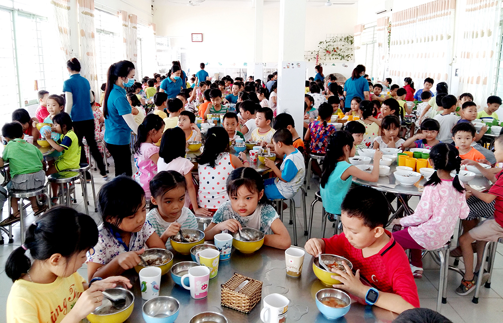 trường học là nơi mất an toàn đầu tiên khi dịch bệnh lây lan.