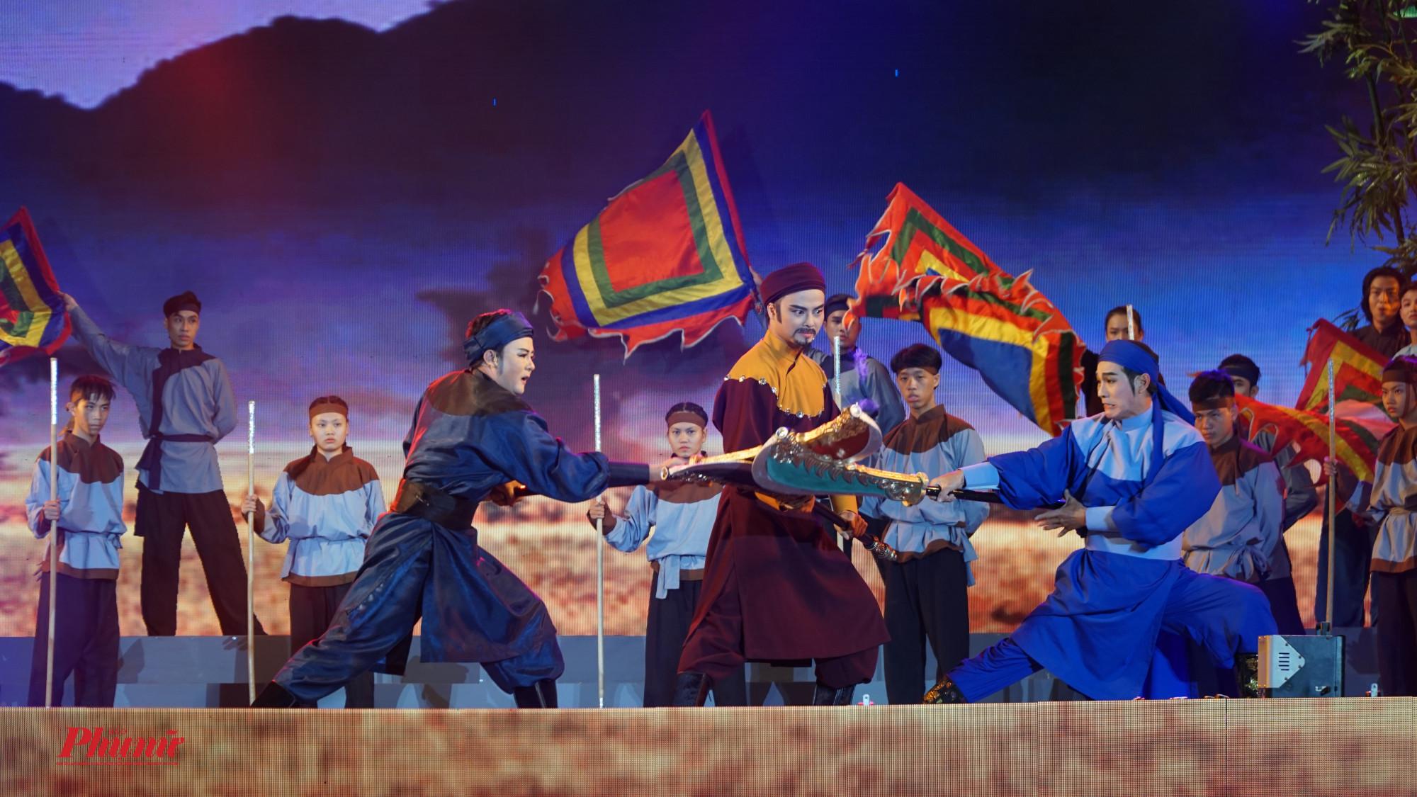 Cảnh Nguyễn Huệ trên đường đi chiêu mộ  hiền tài và gặp Lê Sĩ Hoàng