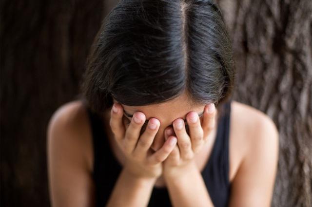 Các chị dâu tôi thường xuyên than khóc vì thói cờ bạc của những người anh họ.