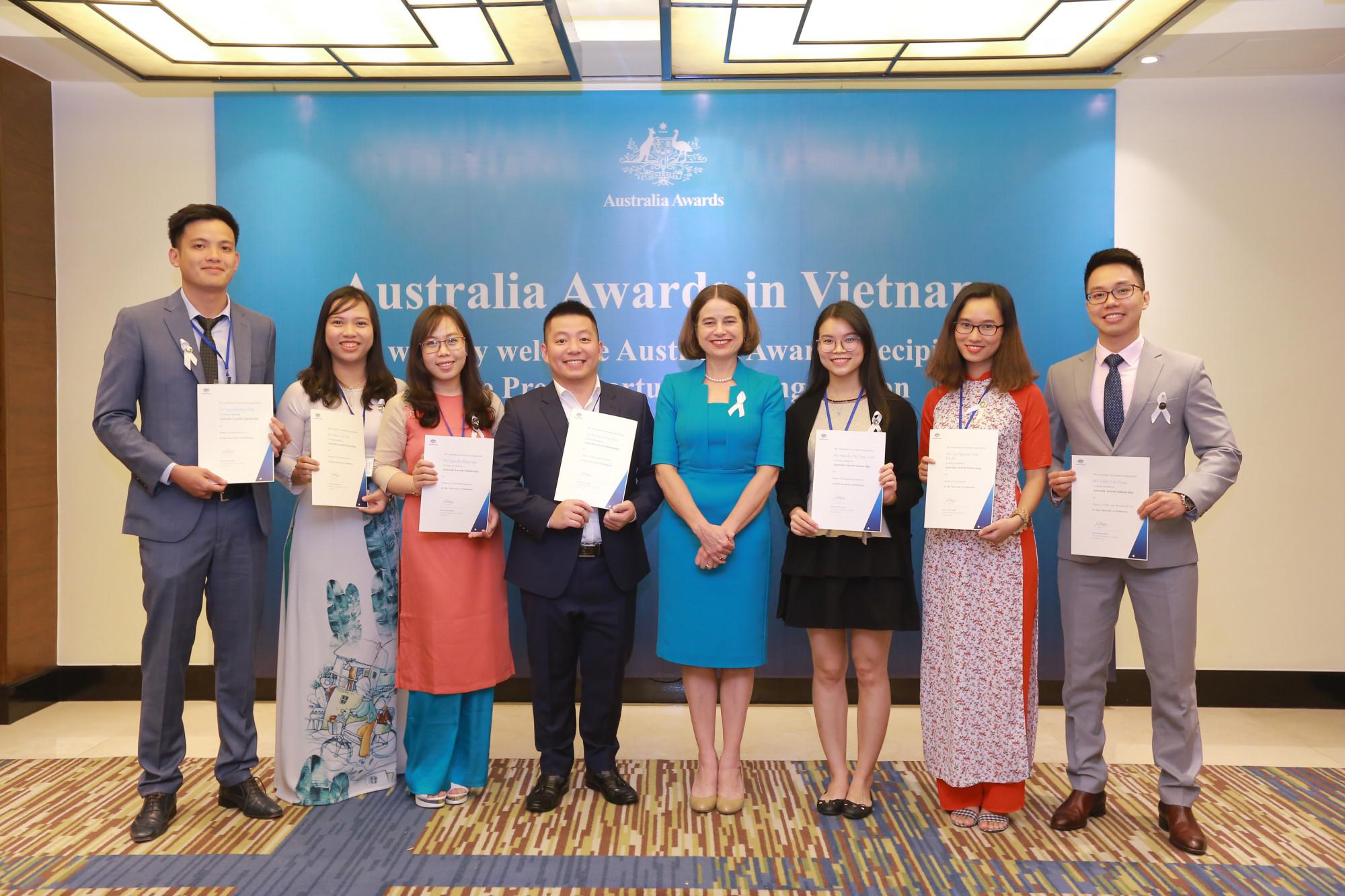 Các ứng viên được trao học bổng của Chính phủ Úc