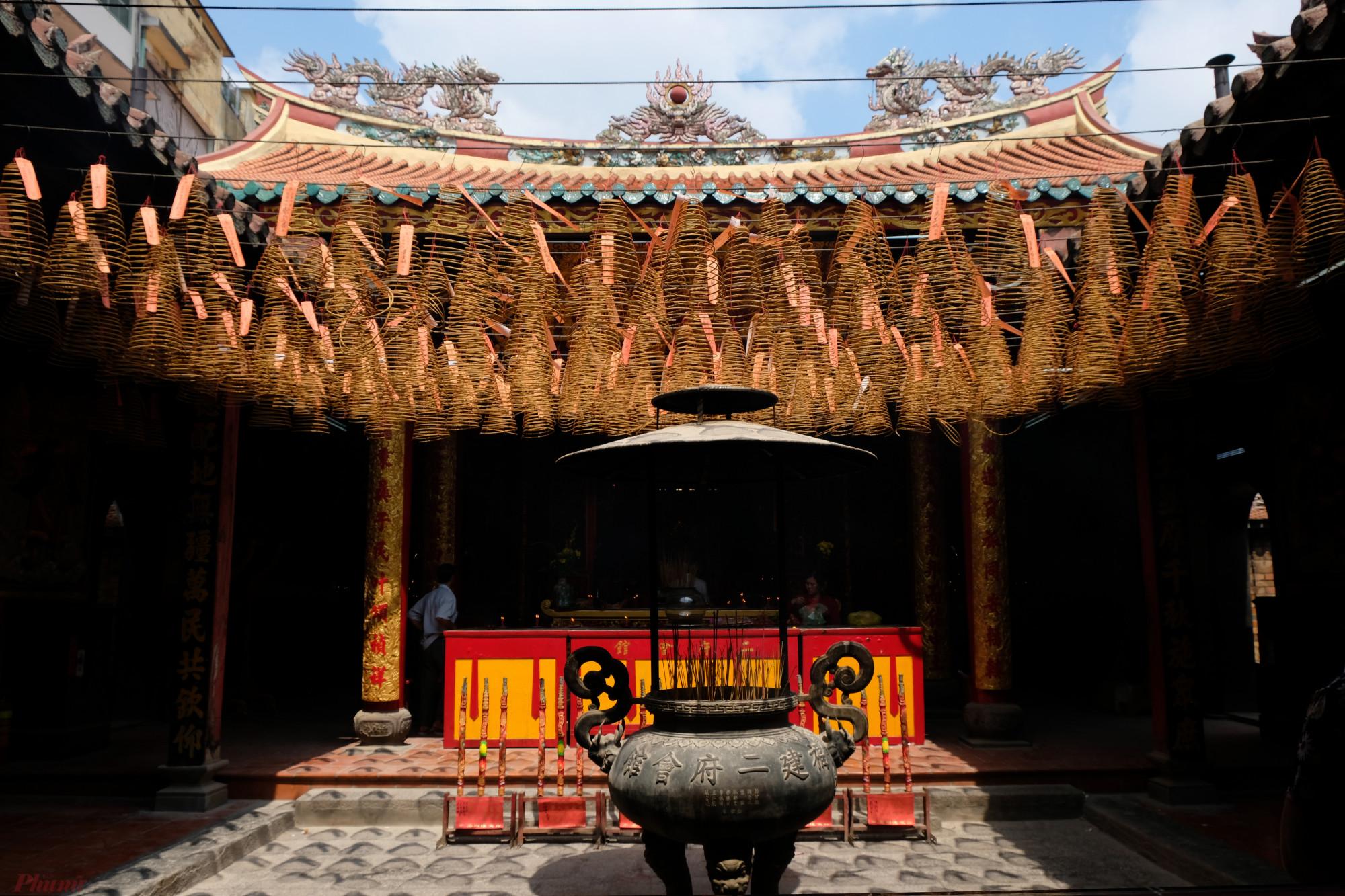Chùa Ông Bổn (Miếu Nhị Phủ)- một trong những địa điểm quen thuộc của người Hoa vào dịp Tết Nguyên tiêu - Ảnh: Đậu Dung